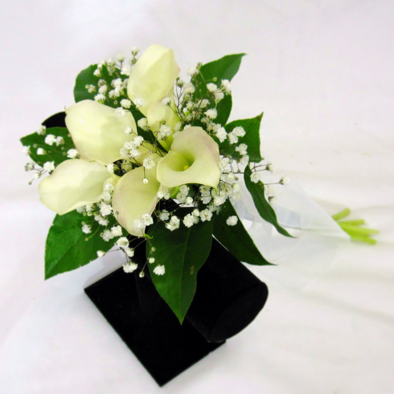 White Mini Calla handtied bouquet
