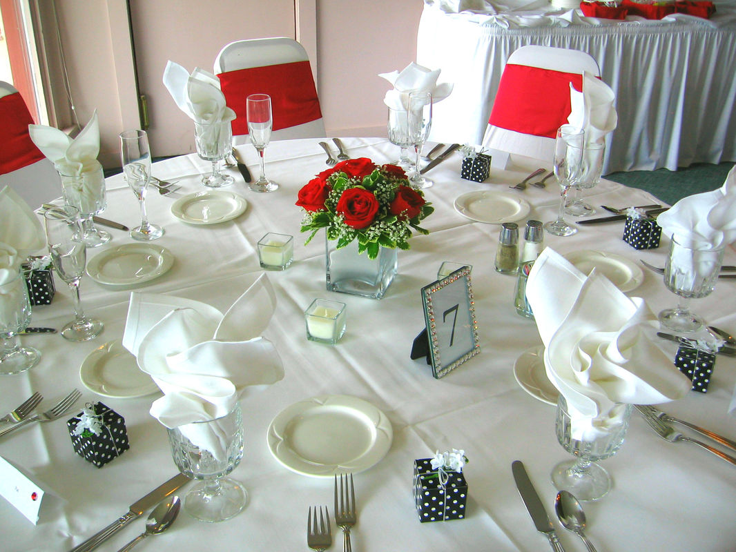 Red Rose Cube Centerpiece