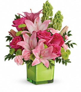 Teleflora's In Love With Lime Bouquet - Deluxe