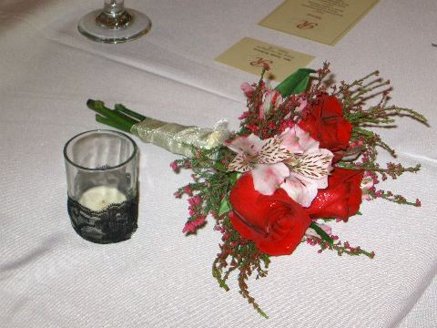 Red Rose and Heather throw bouquet