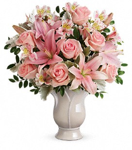 Teleflora's Soft And Tender Bouquet - Deluxe