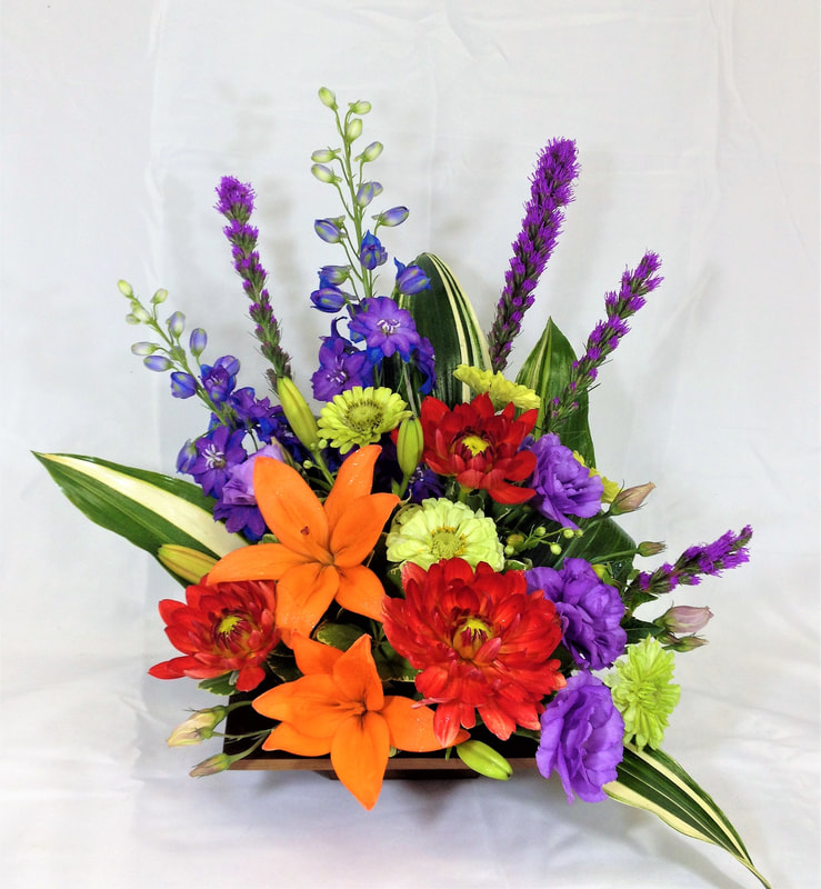 Tropical-style arrangement