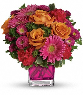 Teleflora's Turn Up The Pink - Deluxe